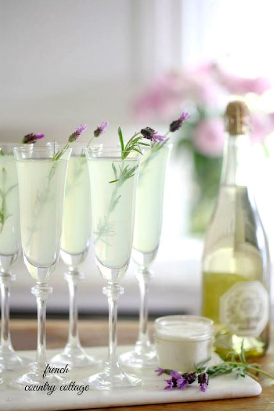 Regale your friends with some lavender lemonade. Oh lala!