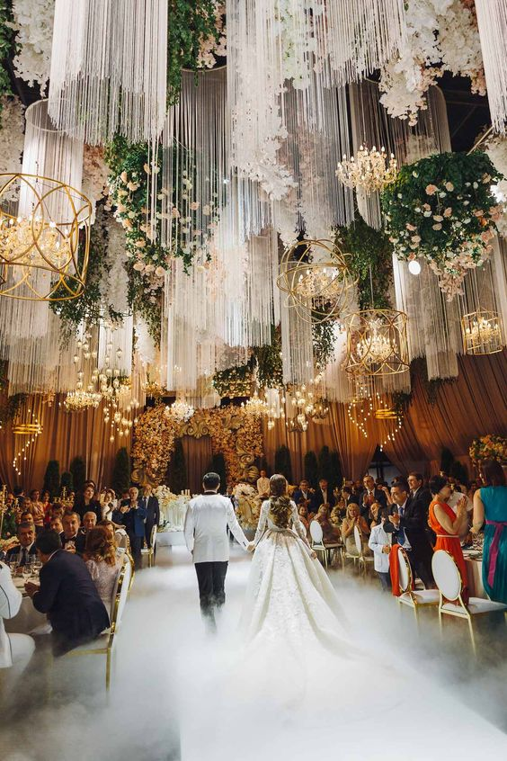 Luxurious wedding in Barvikha from The Studio decor in Moscow.