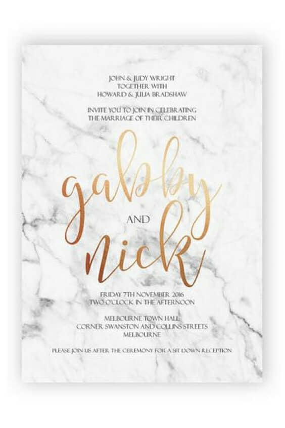 Combinación moderna en mármol y cobre que impresionará a tus invitados.