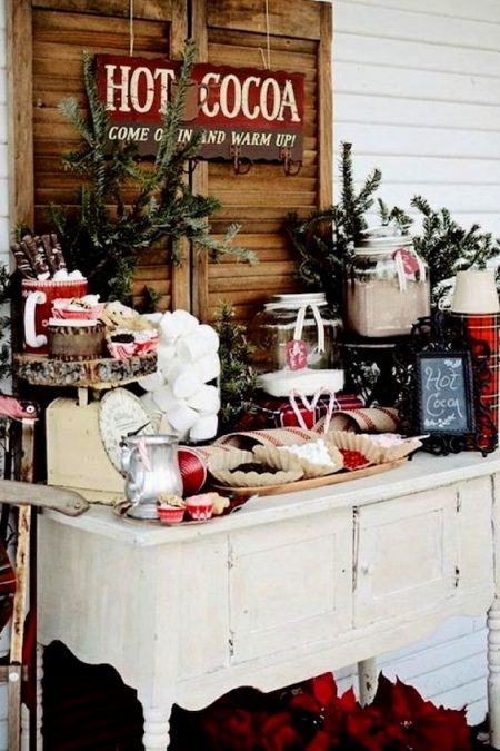 Red and green cocoa bar, a sweet Christmas wedding idea.