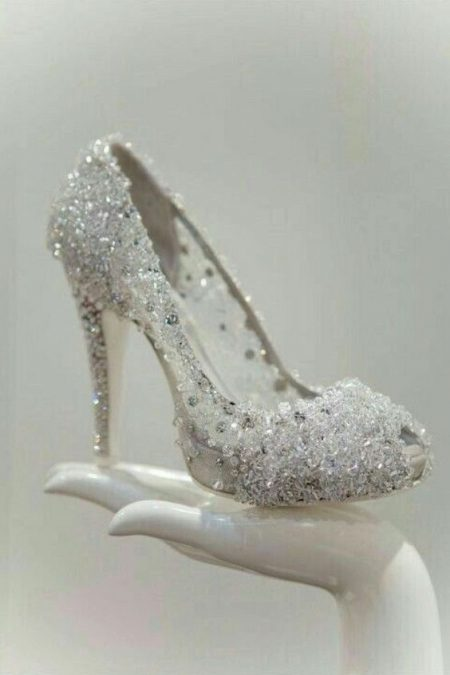 Perfect shoes for a winter wedding.