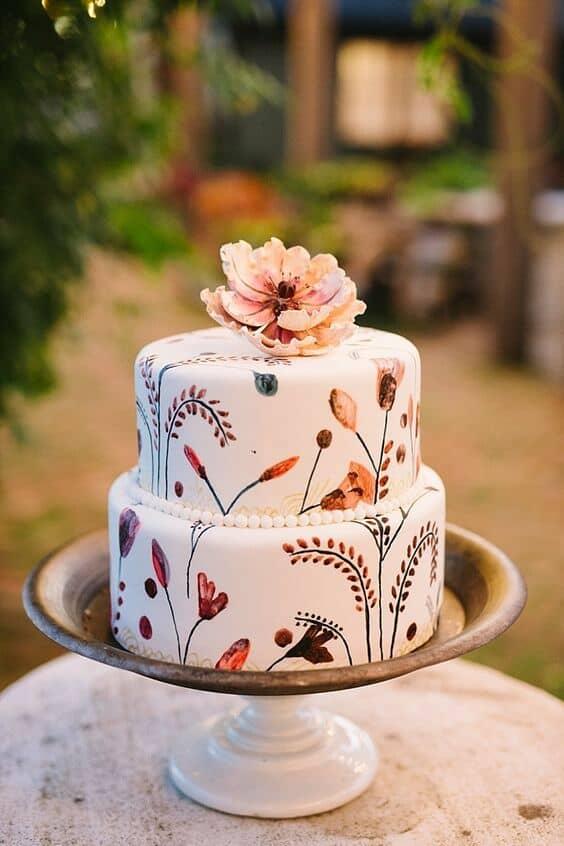 Torta de bodas pintada a mano con sabor a apple pie para celebrar una boda secreta. ¡Yum! #ElopementInspiration