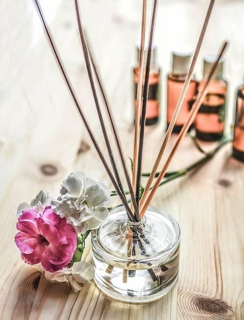 Sigue estos tratamientos para el cabello y experimenta el spa en tu propia casa.
