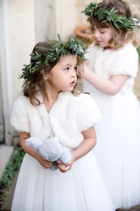 Because dreams are made of this... Lovely winter flower girls. Wedding Photography: Nicola And Glen.