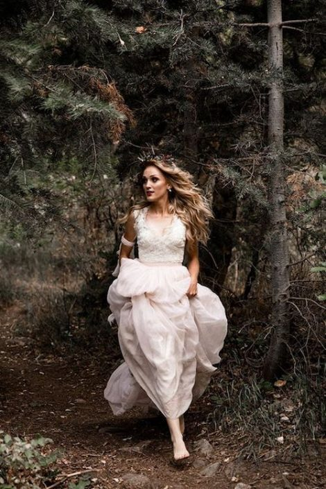 Magical woodland enchanted forest weddings, one of the 2018 wedding trends. Photo: Mapping Light Photography.