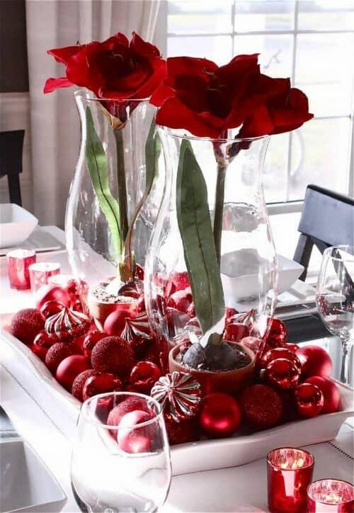 Dulces y rosas en la decoración para el día de los enamorados.
