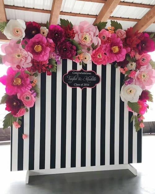 Floral photo booth a la Kate Spade. Can you say giant paper flowers? :)