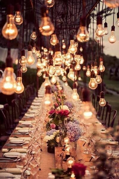 Original way to decorate your wedding with lights.