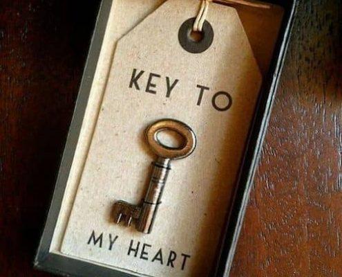 Este día de San Valentín entrégale la llave de tu corazón.