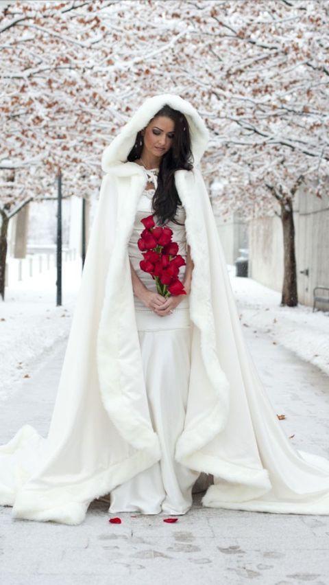 Boda temática Blancanieves en pleno invierno. Esta novia es como salida de un cuento de hadas.