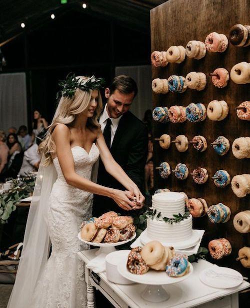 ¿Deseas saber porque se guarda la parte superior de la tarta de bodas? Tradiciones de bodas.