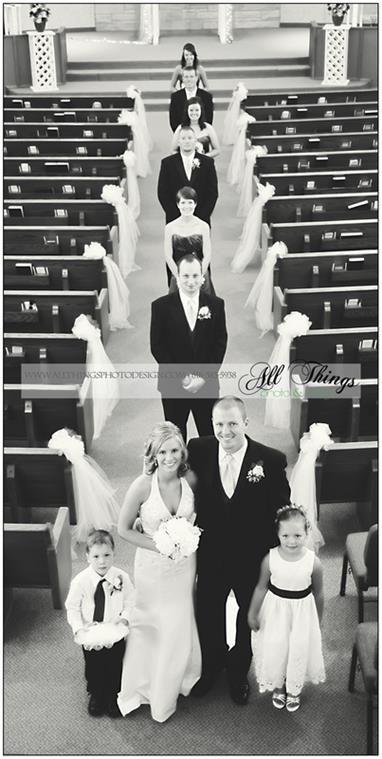 Practicando la entrada a la ceremonia en el ensayo de boda y una foto fabulosa.