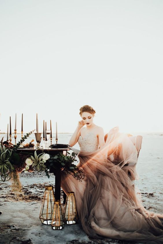 Fashionable and very intimate wedding at Great Salt Plains State Park, Oklahoma. Rachel Photographs.