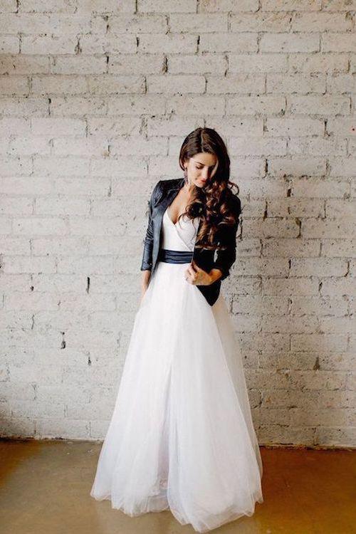 Rompe con la Tradición. Una idea moderna para vestir de blanco con un twist.