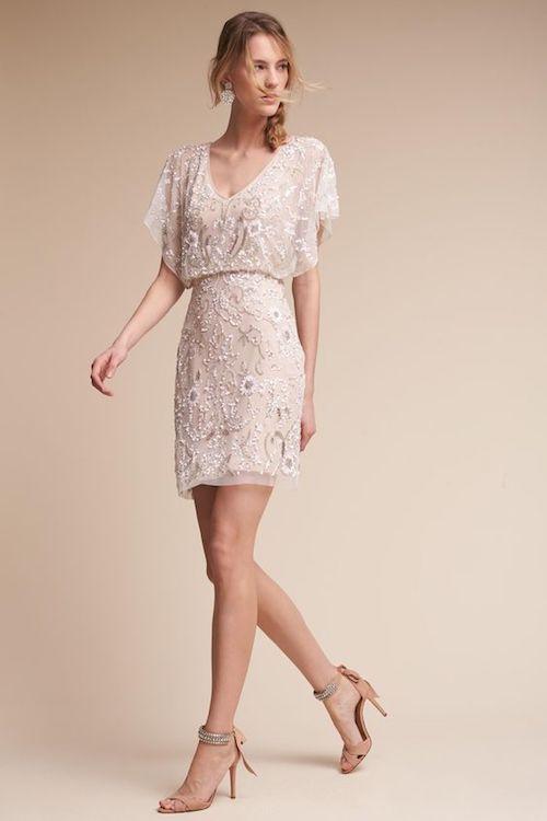 Como Vestirse para el Ensayo y la Cena de Boda. Un vestido muy apropiado para un ensayo de boda de BHLDN.