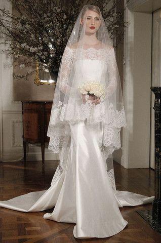 Como elegir el velo de novia de acuerdo a tu cuerpo: las novias altas pueden aprovechar los velos mas largos. Creación de Romona Keveza.