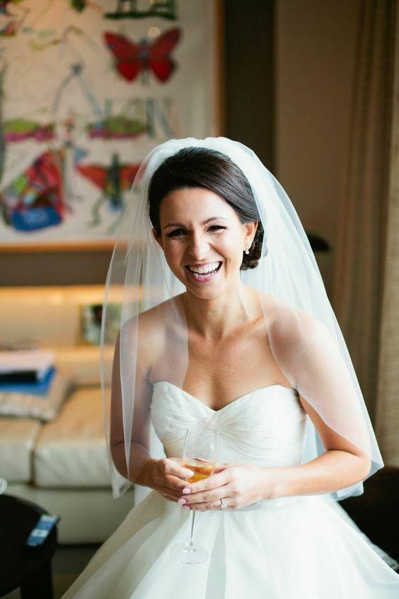 Elegir el velo de novia correctamente es esencial ya que, luego del vestido, es lo que más te define como tal. Elegante boda en DC. Ampersand Photography.