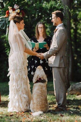 Deja que tu mejor amigo sea parte de la ceremonia nupcial.