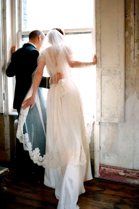 El velo ballerina es dramático y super original. Fizara DIY Photo Albums.