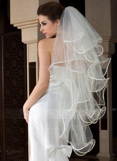 ¿Se te hace difícil elegir el velo de novia? ¿Que tal este velo punta de dedos de 4 capas con borde de jjshouse?