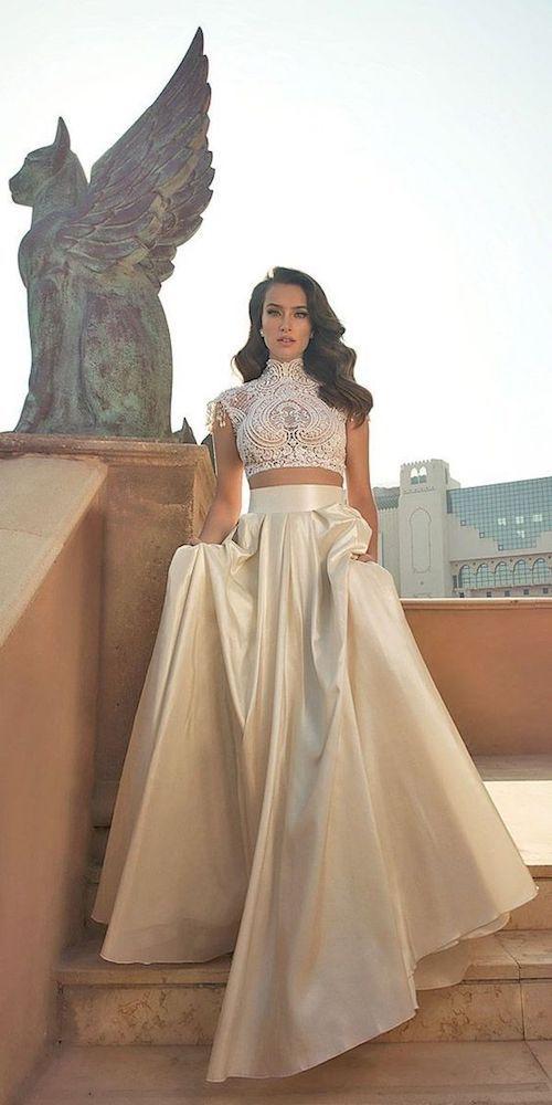 Este vestido es perfecto para una boda destino.