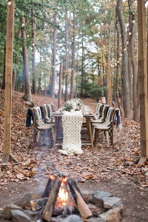 Table runner ideas from winter Georgia woodland weddings. Photo: Carography Studios.