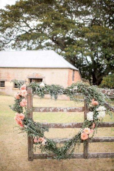 Go cray over this 2018 trend with a welcoming and rustic floral heart.