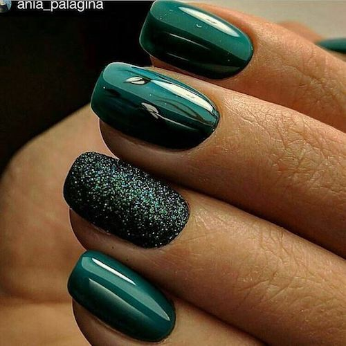 Accent nails are so trendy and so simple to do.