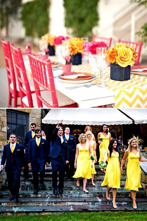 Sillas en fucsia y camino de mesa en chevron amarillo y blanco para bodas en amarillo Gen Z. Enamoradas del color limonado de esta fiesta de casamiento.