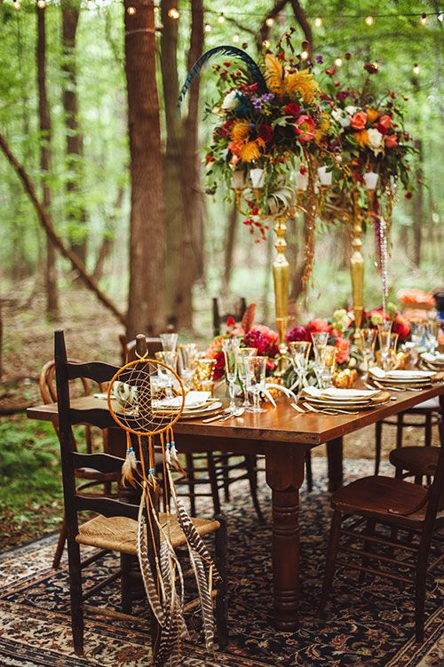 Guess the season. We can assure you that this boho-chic table decor will wow all your guests.