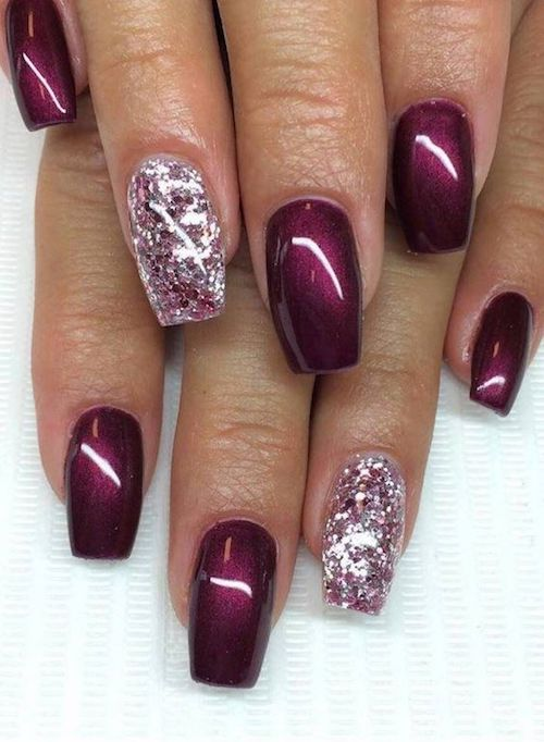 Accent nails and smooth shiny gel nails look elegant and are easy to DIY.