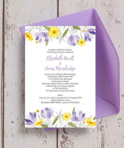 Invitaciones florales personalizadas para bodas en amarillo Gen Z, lila y lavanda de hiphiphooray.