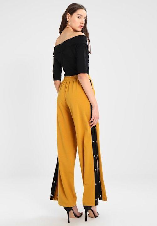 Pantalón en amarillo mostaza de Zalando.