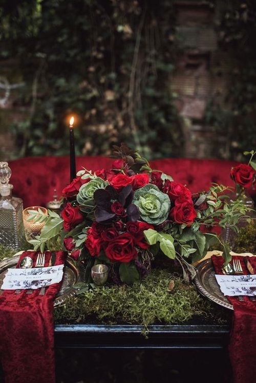 Crimson red and ultraviolet for a woodland tablescape inspired by Edgar Allan Poe. Photography: Tashana Klonius.