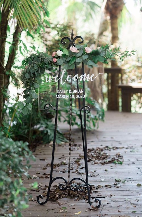 Clear acrylic welcome wedding signs are the latest trend in weddings. And they fit well with any wedding theme!