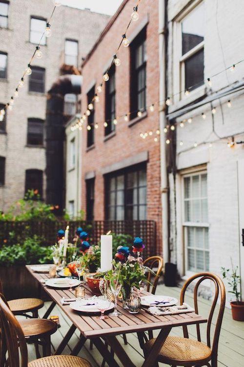 Celebra tu fiesta de casamiento en tu propia terraza en forma íntima, romántica, única y dentro de tu presupuesto.