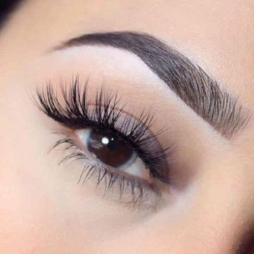 Long and curved Mink eyelashes. So flirtatious!