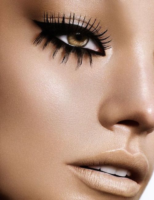 With different lashes you can achieve dramatic looks that won't overwhelm your eyes.