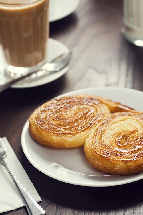 ¿Planeas bailar hasta que salga el sol? ¿Qué tal unas palmeritas para el desayuno con un buen café portugués?