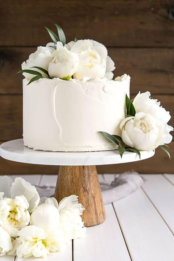 Pastel de limón y flor de sauco. Una versión de la cake del casamiento de Megahn Merkle y el príncipe Harry de livforcake.