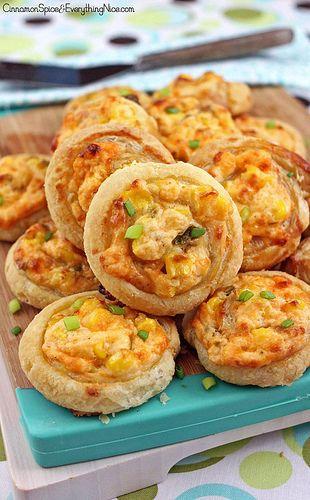Rollito de hojaldre con jalapeño y queso crema, fácil de hacer.