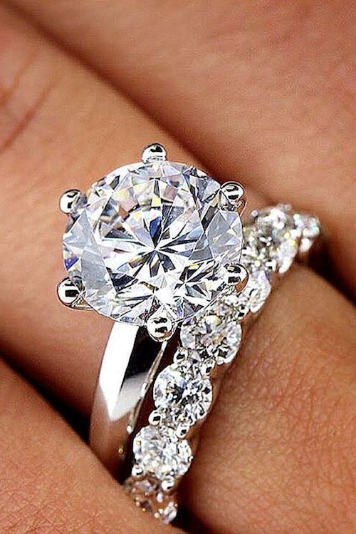 Precioso anillo de bodas y compromiso de do it jewelry.