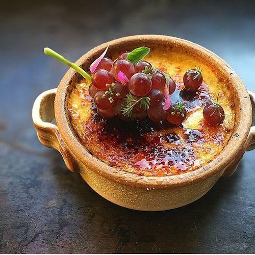 A winter wedding dessert classic: creme brûlée.