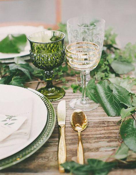 Decoración campestre en verde, blanco y dorado. Una combinación elegante y delicada.