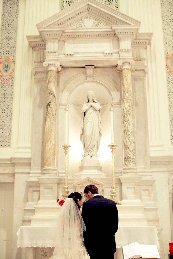 Hermosa fotografía de una boda Católica.