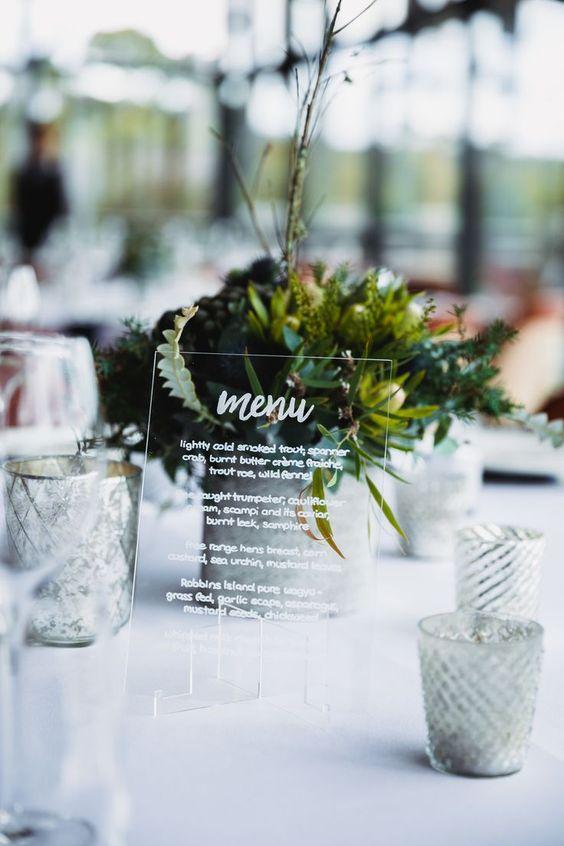 Las transparencias están de moda. No olvides presentar el menú del banquete de bodas. Milton Gan photographer.