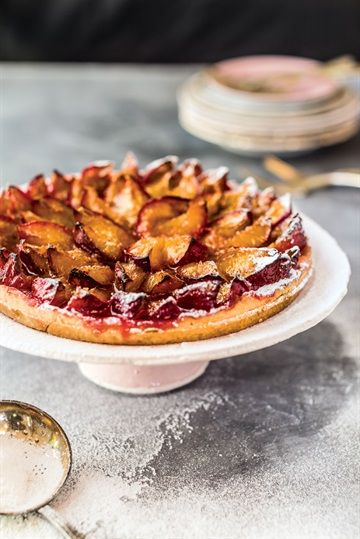 Plum and apple pie. Photo: Felix Bruzzo.