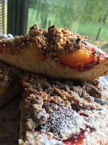 Fab winter wedding dessert ideas: a decadent plum pie and streusel.