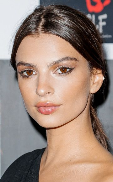 Emily Ratajkowski close set eye glam makeup.