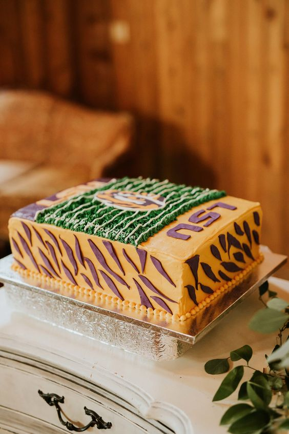 If football is in his blood, how about a confection inspired on his team?